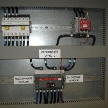Prepínač zálohované a nezálohované napájanie