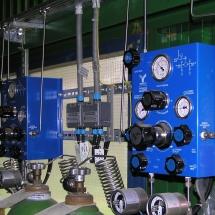 Prepínanie plynu z fliaš pre chromatograf