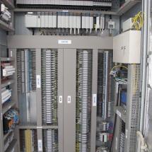 RS - celý rozvádzač, PLC, procesor so vstupno-výstupnými kartami